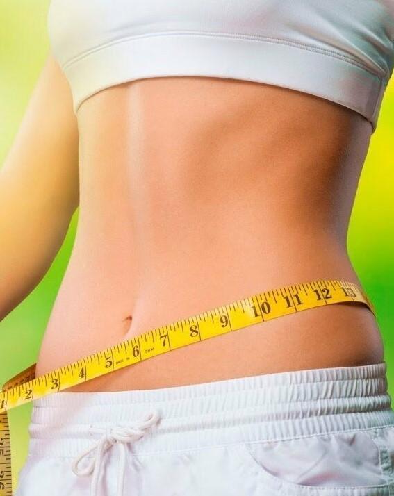 Фотоснимок девушки сбросившей лишний вес с помощью Leptigen Meridian Forte капсул для сжигания жиров.